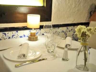 Sopar Romàntic A Barcelona En Una Masia Al Centre De La Ciutat